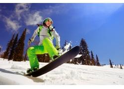 滑雪的欧美女性