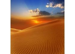 黄昏沙漠风光