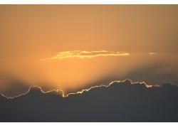 黄色天空云朵