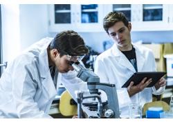 显微镜科学员