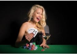 赌博的性感美女