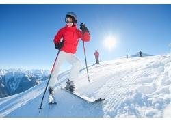 滑雪的外国美女