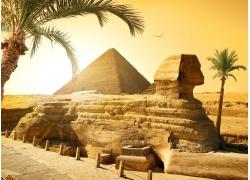 金字塔狮身人面像