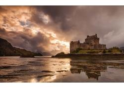 河边的城堡风景