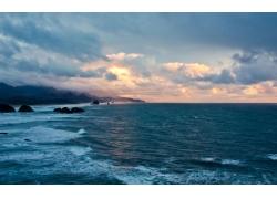 夕阳下的海洋风景