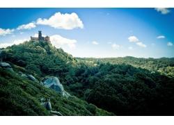 高山峻岭城堡风光