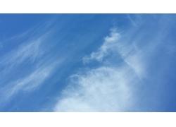 蓝色天空背影