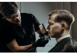 美发造型的男士