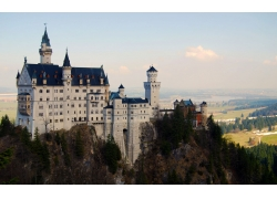 高山上的城堡