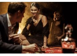 赌钱的性感美女