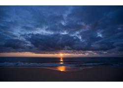 海面上的日出风光