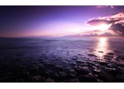 海面上的日出