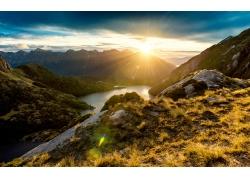 山脉日出风景