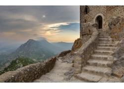 山顶的城堡