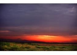 草原黄昏风景
