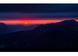 高山上的日出风光