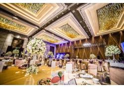 室内华丽的婚礼现场