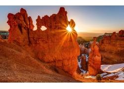岩石日出风景