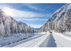 冬天公路雪景