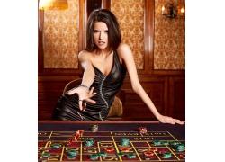 赌钱的美女