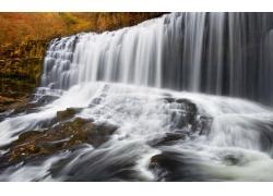 旅游景区瀑布与河流