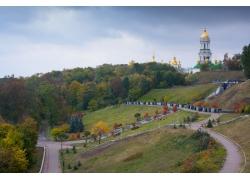 基辅教堂树林风景