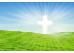 草地光芒十字架