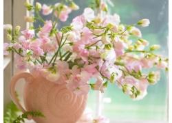 花瓶里的桃花