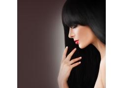 乌黑秀发女人