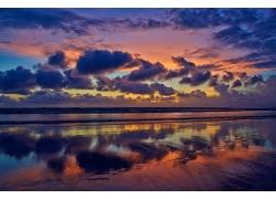 海上美丽的云霞风光