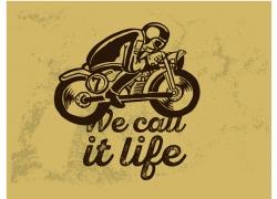 骑摩托车的运动员图片