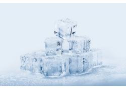 水珠与冰块