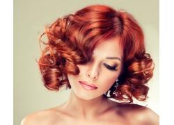 性感卷发女人
