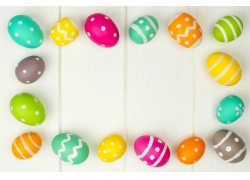 整齐排列的若干彩蛋