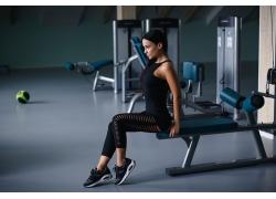 健身房人物摄影图片