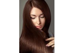 美女的褐发美面