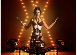 美女DJ师