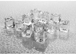 露珠与冰块