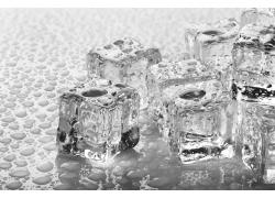冰块与水珠