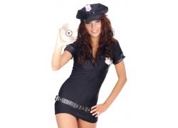 拿着光盘的制服美女