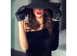 戴帽子的红唇美女