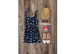 花色裙子与帽子