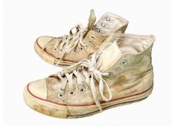 一双白色帆布鞋
