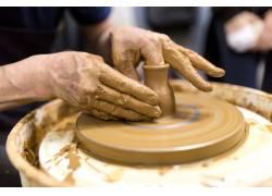 旋转制作的陶器