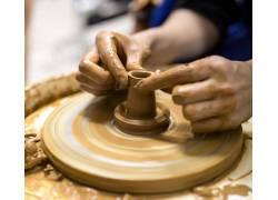 做陶器的双手