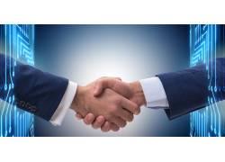 握手合作的人物