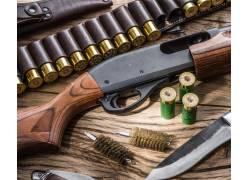 枪支和军刀子弹特写