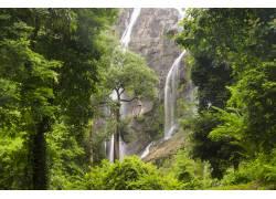山间唯美瀑布高清摄影