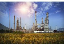炼油厂的设备摄影