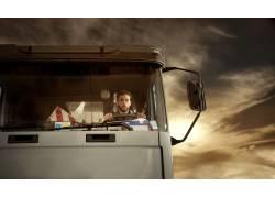 驾驶货车的司机